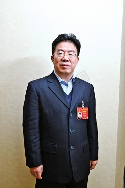 全国人大代表 中国人民银行郑州中心支行行长?徐诺金